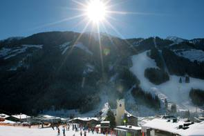 Skiing in Saalbach